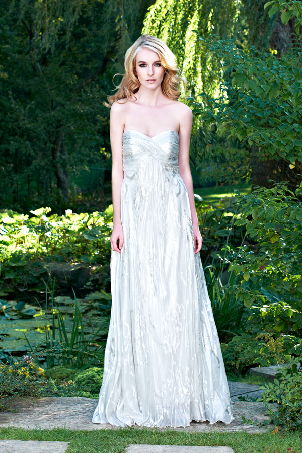 White sweetheart neckline gorgeous silver and jacquard flowing wedding gown
